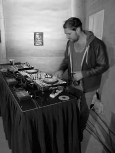 HftU - DJ