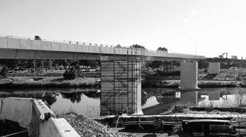Molonglo-Bridge-BW